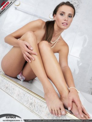 Chelly escort arabe Lodève